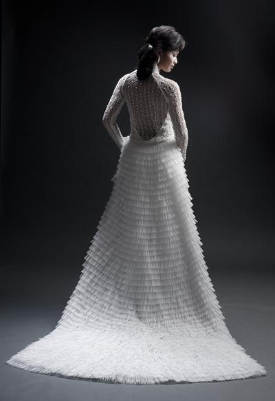 áo dài trắng lộng lẫy