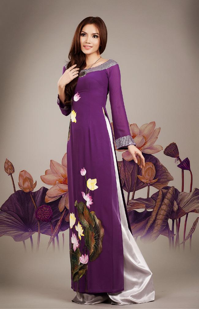 Áo dài cưới họa tiết hoa sen đẹp 05