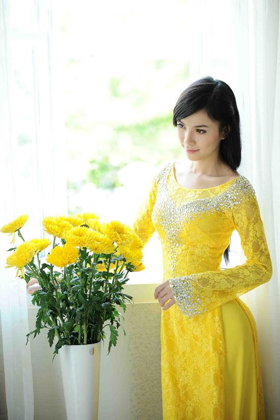 Áo dài cưới màu vàng 05