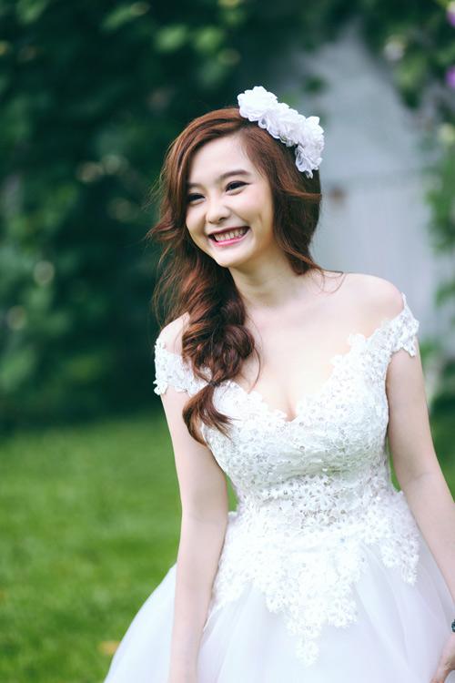 Những kiểu tóc cô dâu tự nhiên không thể bỏ qua 06