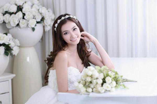 Kiểu tóc cô dâu đẹp tự nhiên