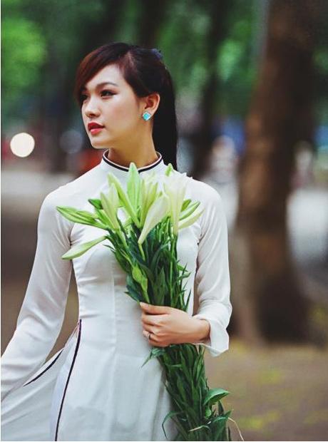 Nữ sinh duyên dáng với áo dài 07