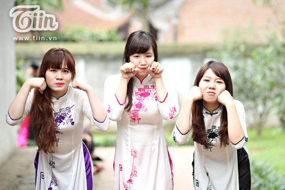 Nữ sinh duyên dáng với áo dài 09