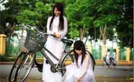 Nữ sinh duyên dáng với áo dài 11
