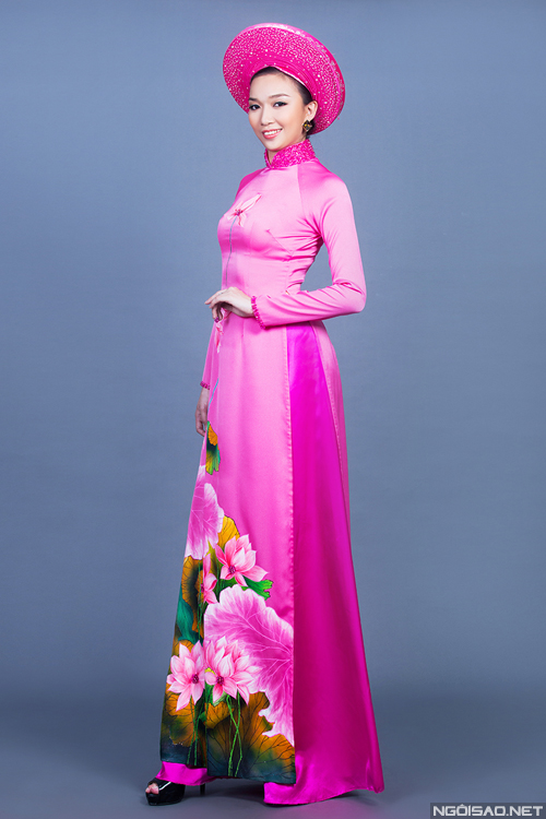 Rực rỡ sắc hoa trên tà áo dài cưới 03