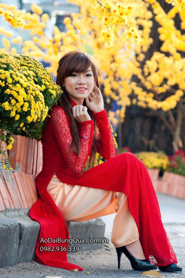 Áo dài cô dâu đỏ ren lưới
