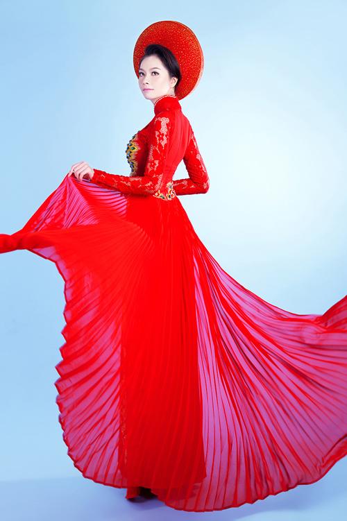 Áo dài cưới đỏ trong lễ đính hôn 02