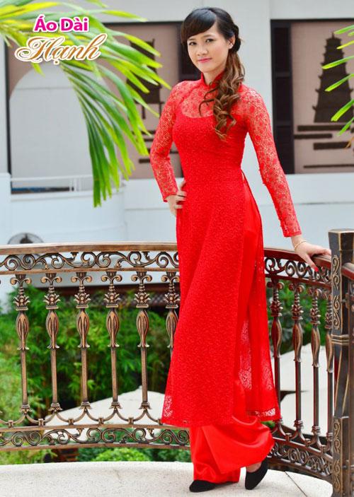 Áo dài cưới đỏ trong lễ đính hôn 04