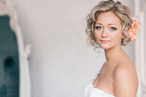 Tự tin làm cô dâu tóc ngắn xinh đẹp
