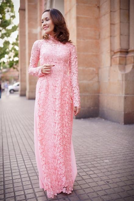 Áo dài cưới hồng trẻ trung 09