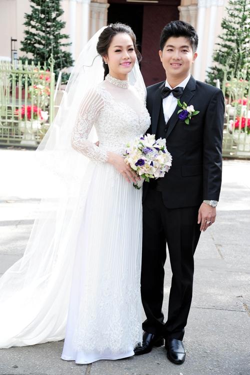 Áo dài cưới lộng lẫy và sang trọng phong cách hoàng gia 02