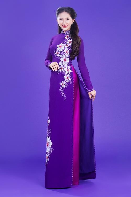 Áo dài lụa thêu hoa cho cô dâu 04