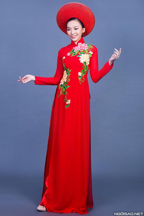 Áo dài lụa thêu hoa cho cô dâu 05
