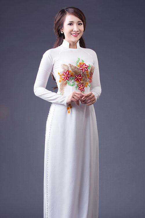 Áo dài lụa thêu hoa cho cô dâu 07