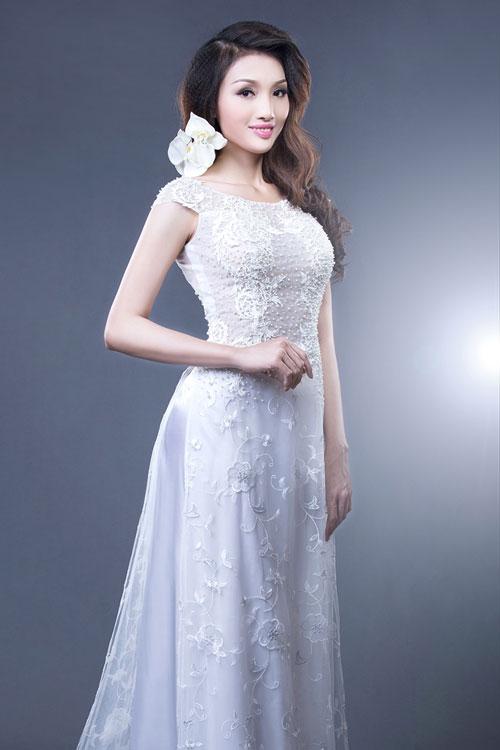 Áo dài trắng đẹp long lanh cho cô dâu 08