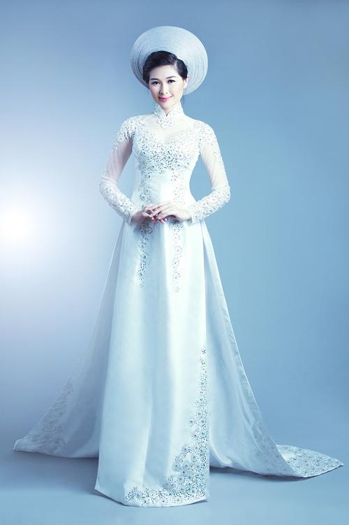 Áo dài trắng đẹp long lanh cho cô dâu 09