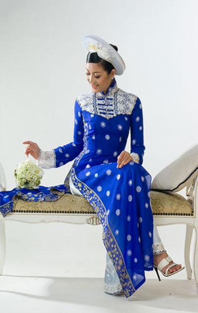 Áo dài xanh dương cho cô dâu 02