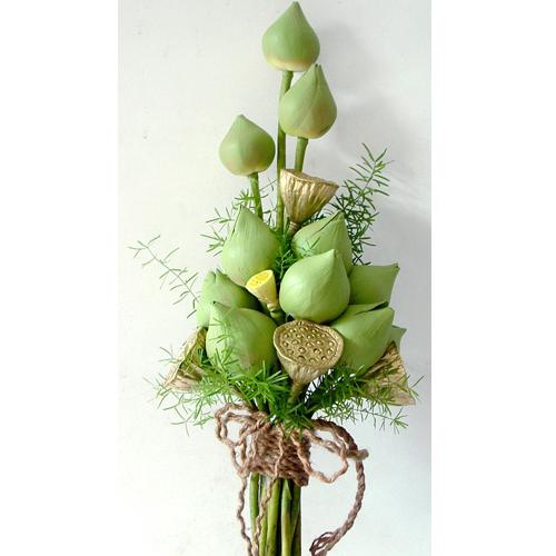 Kết hợp hoa sen cưới và áo dài 09