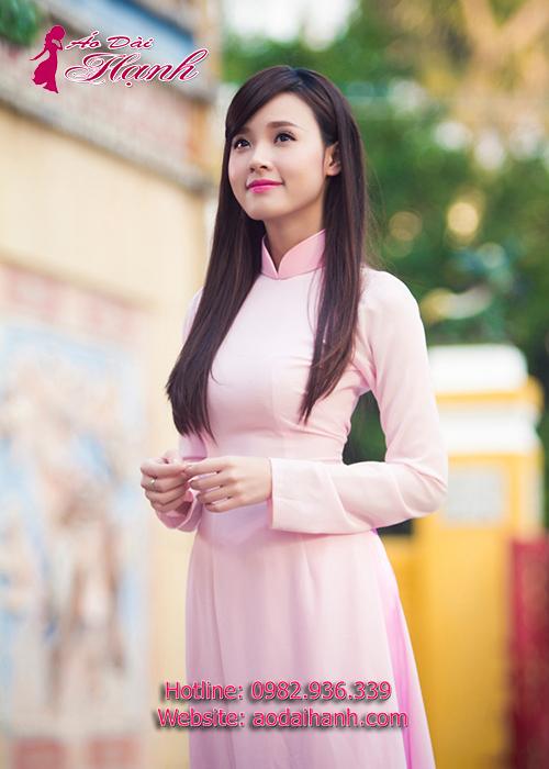 áo dài bưng quả hồng phấn