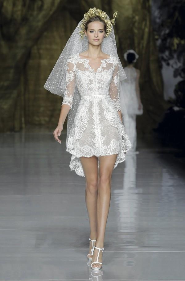 Đẹp hơn, trẻ hơn với váy cưới ngắn