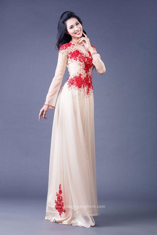 Áo dài cưới màu nude sang trọng