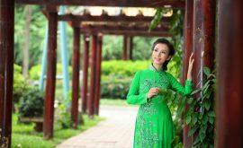 Áo dài cưới xanh lá đầy sức sống