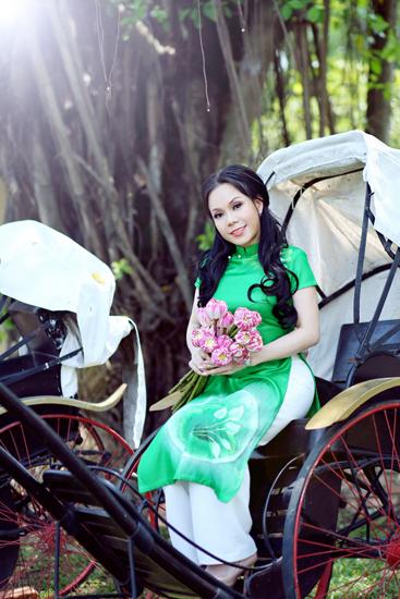 Áo dài cưới xanh lá đầy sức sống 02