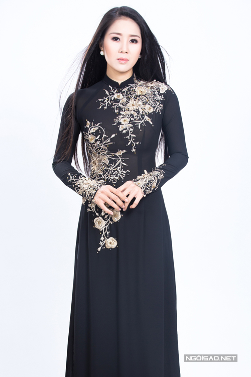 Áo dài đen cho người lớn tuổi 06