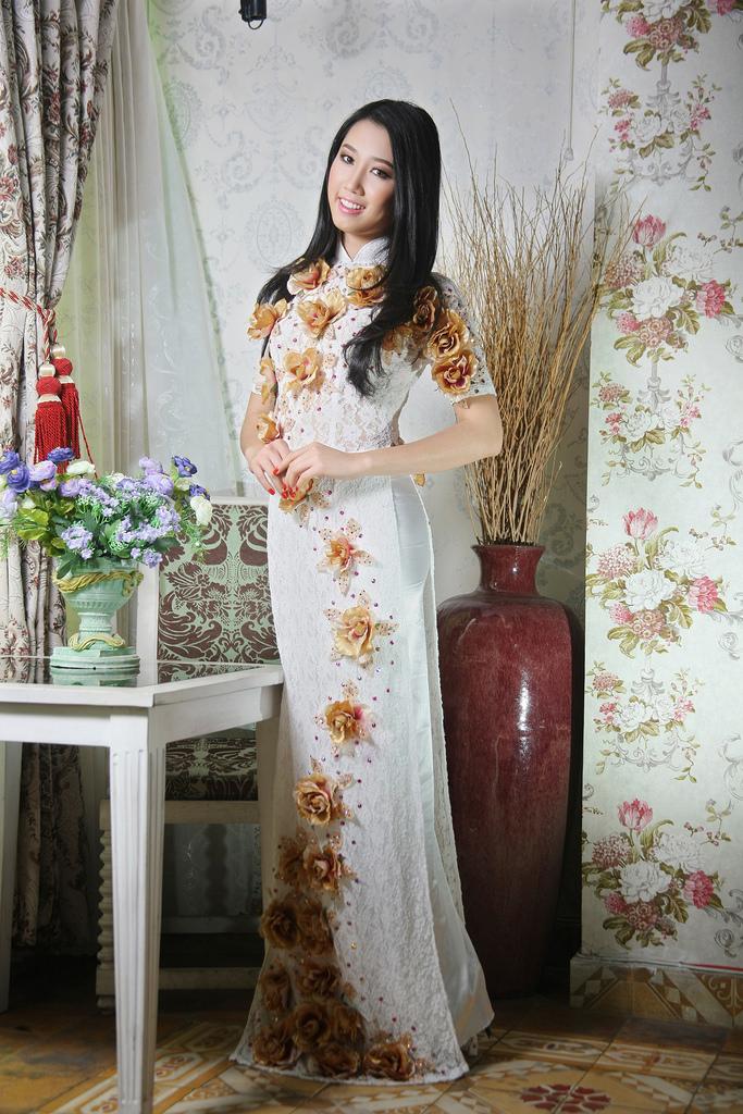 Áo dài ren quyến rũ cho cô dâu 04