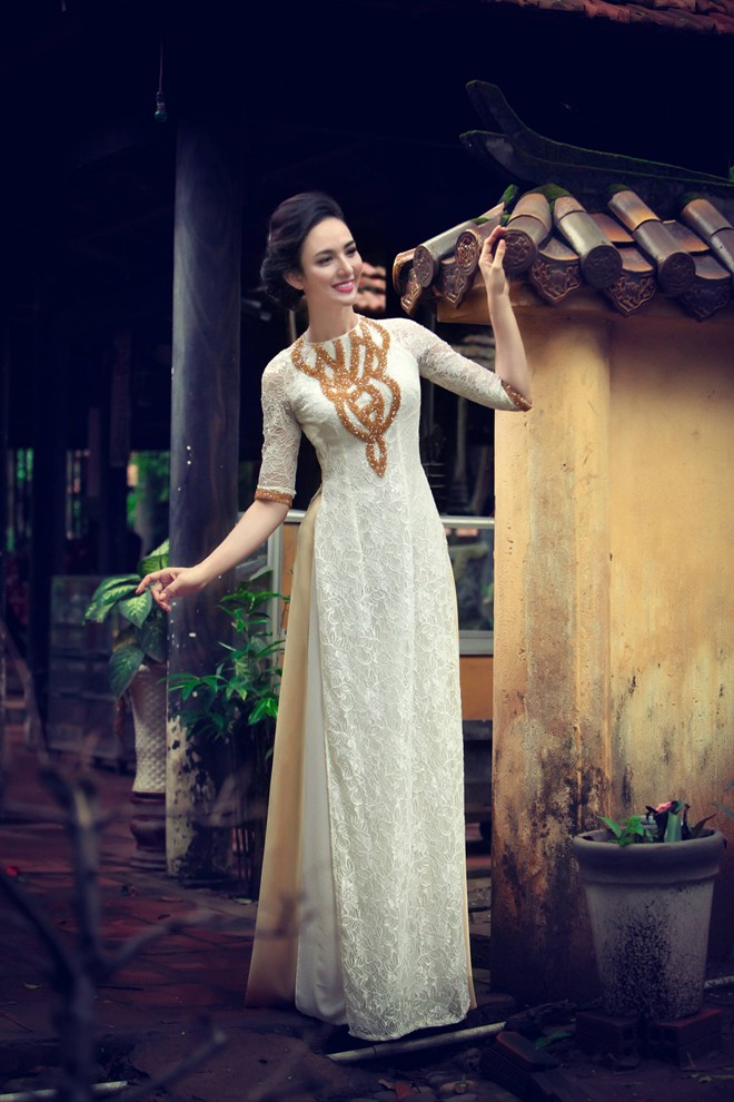 Áo dài ren quyến rũ cho cô dâu 07