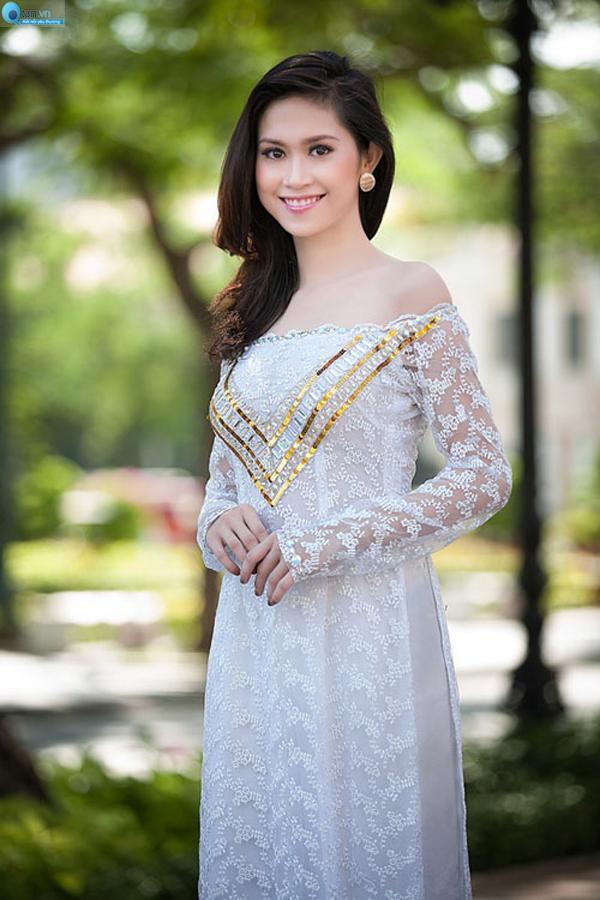 Áo dài ren quyến rũ cho cô dâu 09