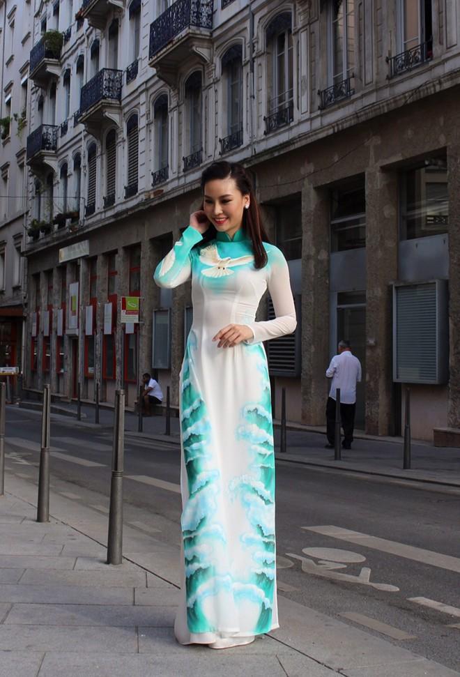 Áo dài xanh ngọc thanh nhã 07