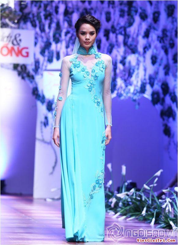 Áo dài màu xanh ngọc thanh nhã 09