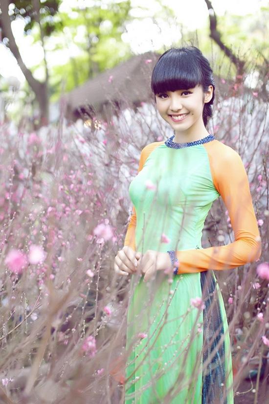 Chụp ảnh với áo dài mùa xuân 03