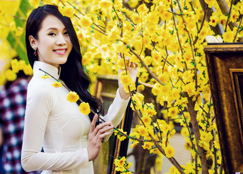 Chụp ảnh với áo dài mùa xuân 04