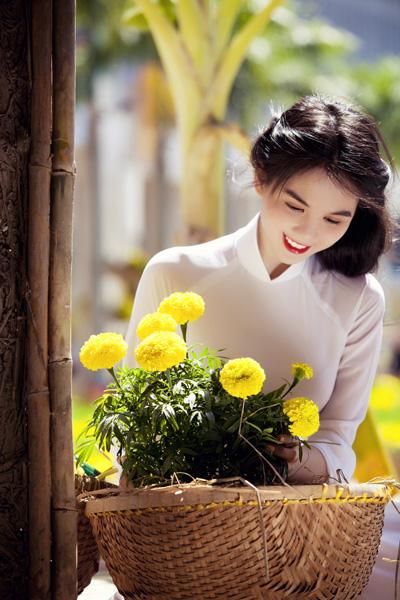 Chụp ảnh với áo dài mùa xuân 07