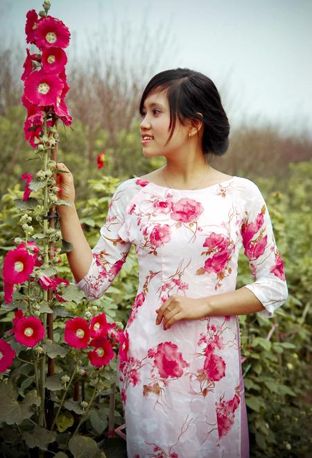 Chụp ảnh với áo dài mùa xuân 09