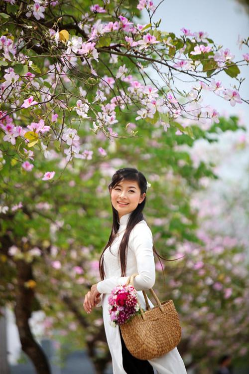 Chụp ảnh với áo dài mùa xuân 13