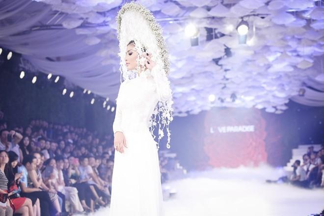 Khăn đóng cỡ lớn ấn tượng cho cô dâu 04