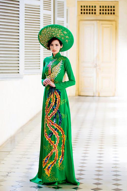 Áo dài cưới xanh lá