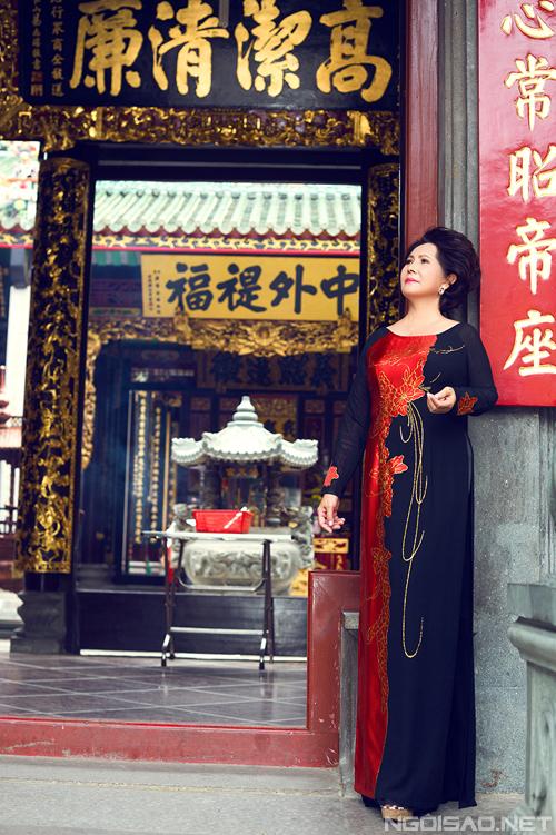 Áo dài cho các mẹ đi lễ chùa đầu xuân 01