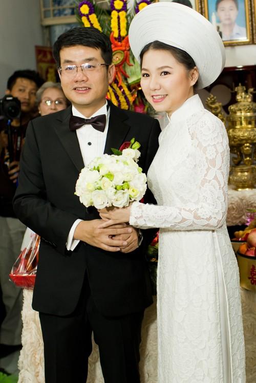 Áo dài trắng cho cô dâu 04