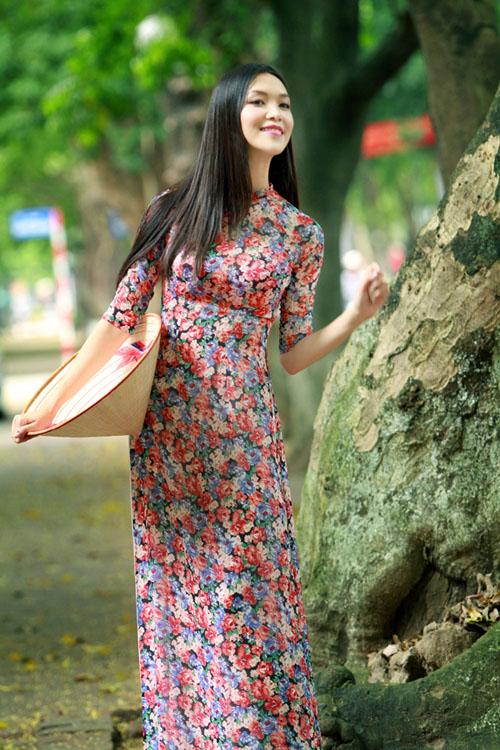Rạng rỡ cùng áo dài hoa 01