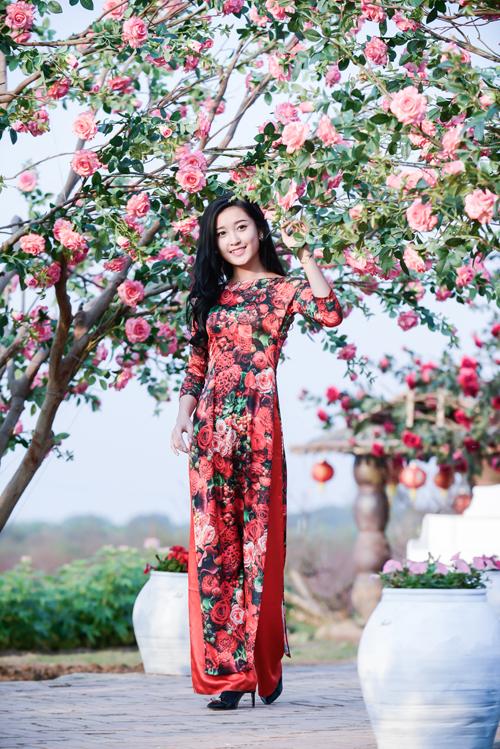 Rạng rỡ cùng áo dài hoa 06