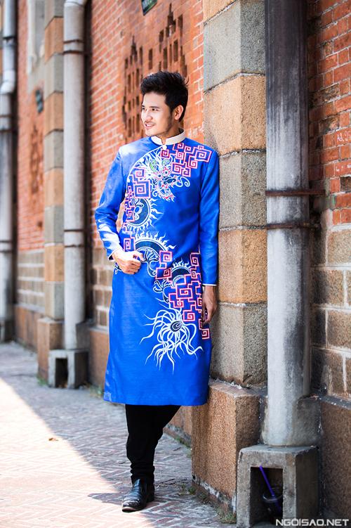 Chú rể trang trọng với áo dài nam 05