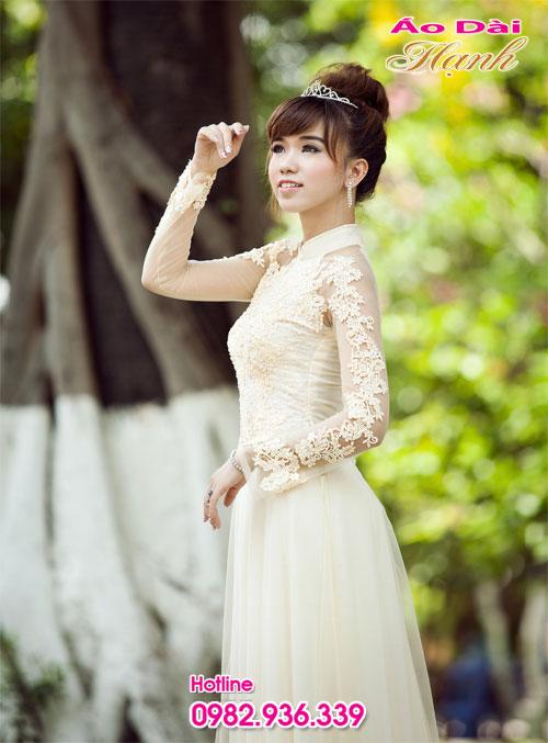 Áo dài cươi trắng