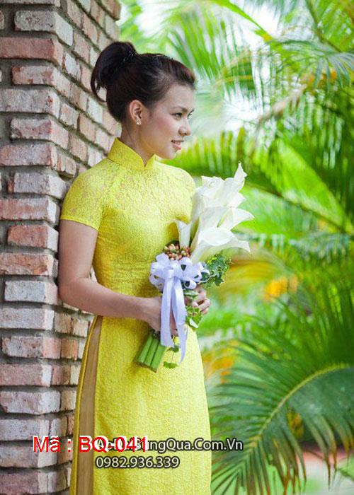 Áo dài vàng dạ quang ren hoa cổ truyền thống tay ngắn