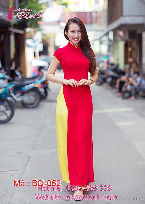 Áo dài đỏ chiffon trơn cổ hoa tay ngắn viền vàng