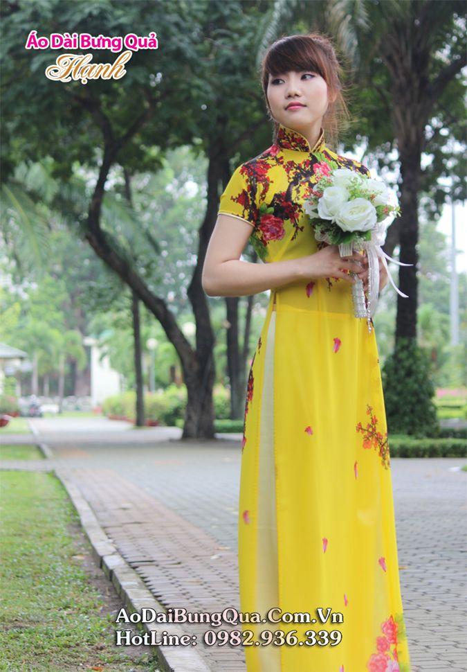 Áo dài vàng voan hoa đỏ cổ truyền thống tay ngắn