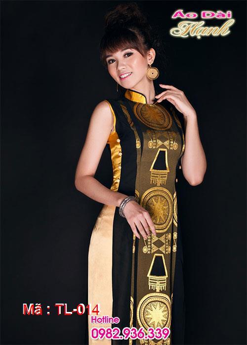 Áo dài vàng đồng trống đồng cổ truyền thống